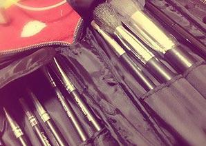 MAC化粧筆1