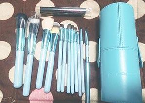 MAC化粧筆3