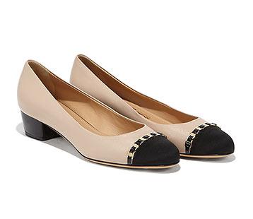 フェラガモ靴パンプス