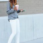 コンサバな白パンツにも好印象♪