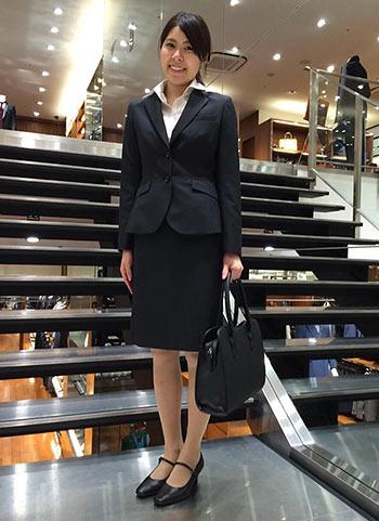 リクルートスーツ-黒バッグ