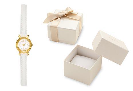 4℃ホワイト腕時計2