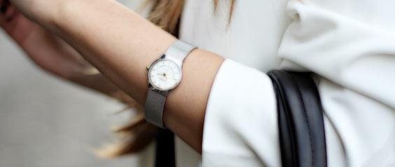 オフィス腕時計