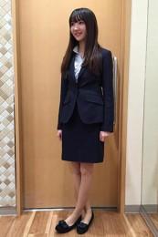 青山レディーススーツ着こなし5