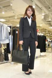 女性リクルートスーツコーデ-パンツ1