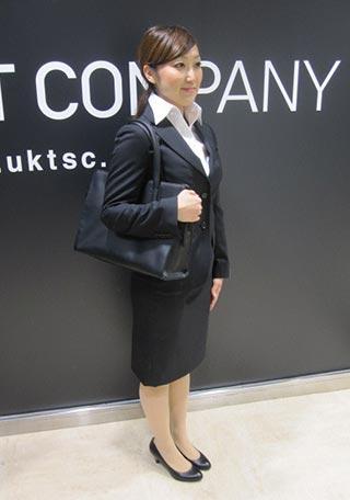 女性リクルートスーツコーデ-スカート5