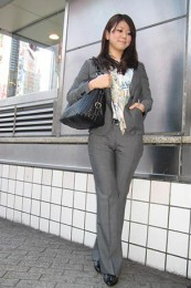 女性リクルートスーツコーデ-パンツ6