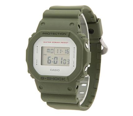 デジタル腕時計2