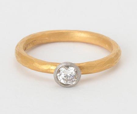 マルコムベッツ婚約指輪2