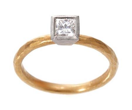 マルコムベッツ婚約指輪1