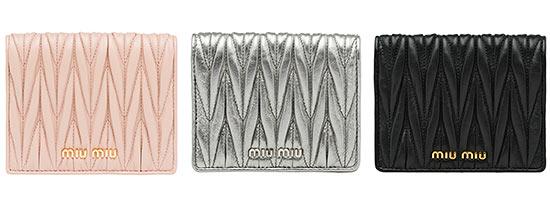 ミュウミュウミニ財布