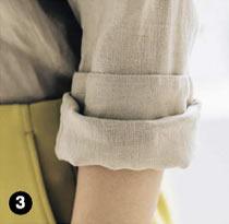 シャツ ロールアップの方法3