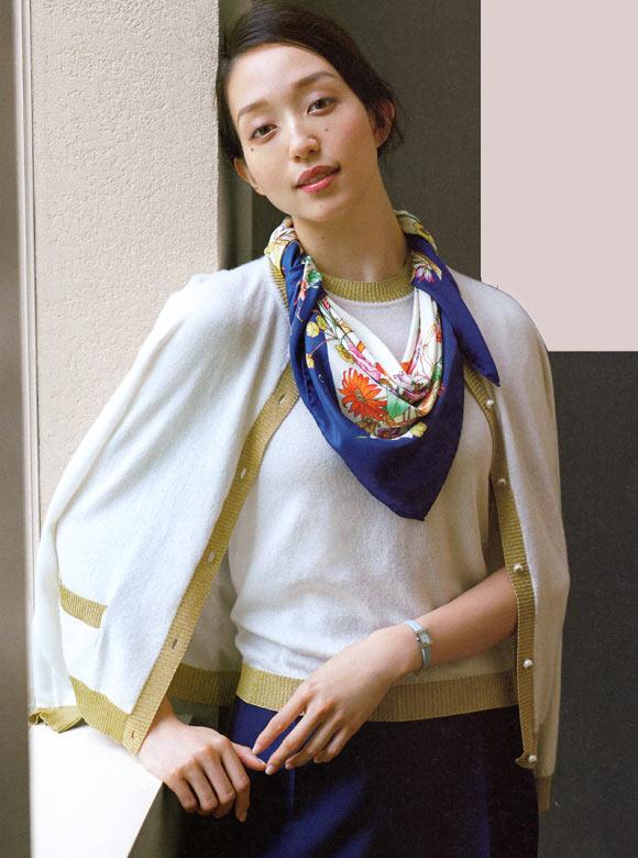 40代スカーフ 巻き方